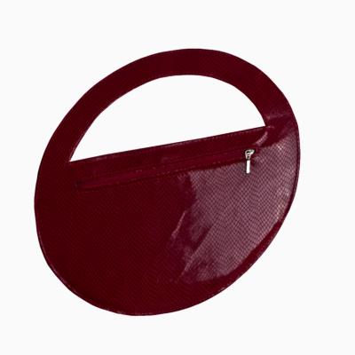 czerwona torebka koktajlowa